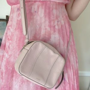🩰 FOSSIL brand pink leather crossbody bag